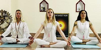 200 Hour Yoga Teacher Training, 200 Hour Yoga Training Rishikesh India, Yoga Alliance 200 Hour Yoga Training, 200 Hour Training Rishikesh India